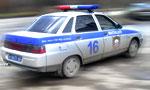 Неизвестный водитель сбил мужчину на газоне
