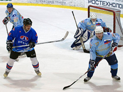 В Тольятти прошел хоккейный турнир среди любительских команд