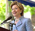 Хиллари Клинтон поздравила Елизавету II с днем рождения на неделю раньше