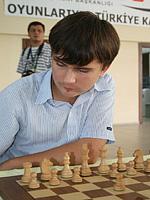 Шахматист из Тольятти соревнуется с вундеркиндами со всего мира